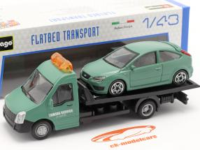 Ford Focus ST med Flatbed transportør mørkegrøn 1:43 Bburago