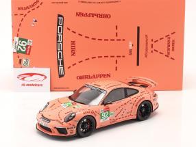 Porsche 911 (991 II) GT3 så / Pink Pig design taxa Leipzig 1:18 Spark