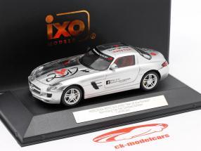 Mercedes-Benz SLS AMG Feria de juguetes Nuremberg 2017 plata 1:43 Ixo / 2. elección