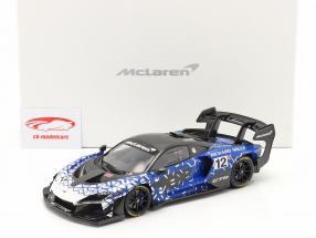 McLaren Senna GTR 2019 #12 blauw / chroom / zwart Met Showcase 1:18 Spark