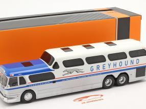 GMC Greyhound Scenicruiser Bouwjaar 1956 zilver / Wit / blauw 1:43 Ixo
