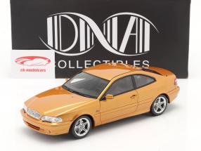 Volvo C70 Coupe 1998 Filme The Saint (1997) pérola de açafrão 1:18 DNA Collectibles
