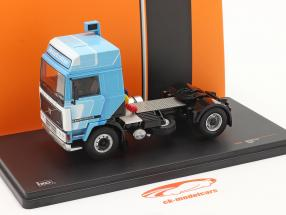 Volvo F12 Globetrotter Truck 1981 bianca / blu 1:43 Ixo