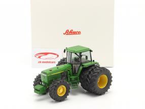 John Deere 4755 tractor Met Dubbele banden 1989-1991 groen 1:32 Schuco