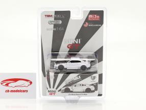 LB Works Nissan GT-R (R35) Taper 2 LHD blanc dans Blister 1:64 True Scale
