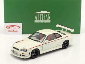 Nissan Skyline GT-R (BNR34) year 1999 pearl white 1:18 Greenlight