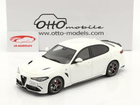 Alfa Romeo Giulia Quadrifoglio Año de construcción 2019 blanco 1:18 OttOmobile