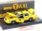 Ford Crown Victoria NYC taxi año de construcción 2011 amarillo 1:43 Greenlight