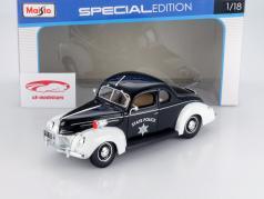 Ford Deluxe Estado Polícia Carro 1939 1:18 Maisto