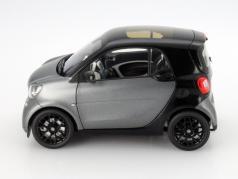 Smart fortwo Coupe (C453) schwarz / grau 1:18 Norev