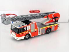Metz MB Econic Drehleiter L32 Feuerwehr 1:43 Wiking