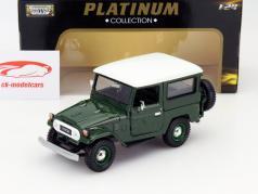 Toyota Land Cruiser FJ40 grün 1:24 MotorMax