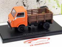 Volkswagen VW EA1489 grundlæggende Transport år 1973 appelsin 1:43 AutoCult