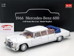 Mercedes-Benz 600 Landaulet ano 1966 branco 1:18 SunStar