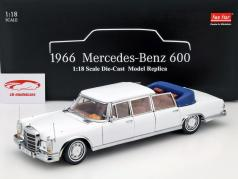 Mercedes-Benz 600 Landaulet Year 1966 white 1:18 SunStar