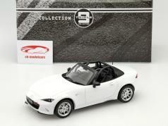 Mazda MX-5 NR-A Baujahr 2015 weiß 1:18 Triple 9