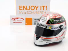 M. Schumacher Mercedes GP W03 fórmula 1 Spa número 300 GP 2012 platino casco 1:2 Schuberth