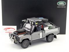 Land Rover Defender Movie Tomb Raider Lara Croft 2001 gray / silver 1:18 Kyosho