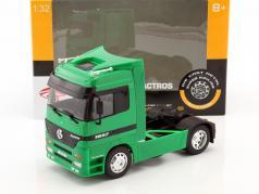 Mercedes-Benz Actros 4x2 groen 1:32 Welly