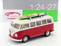 Volkswagen VW T1 Bus ano de construção 1963 com prancha de surfe vermelho / branco 1:24 Welly