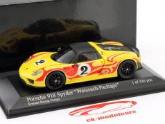 Porsche 918 Spyder Weissach Package Kyalami Racing Design année de construction 2015 jaune / rouge 1:43 Minichamps