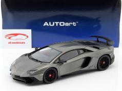 Lamborghini Aventador LP750-4 SV jaar 2015 mat grijs 1:18 AUTOart