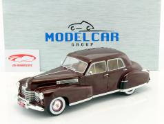 Fleetwood Series 60 Special Sedan Baujahr 1941 dunkelrot 1:18 Model Car Group