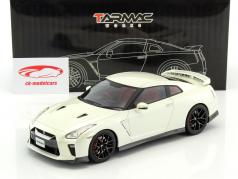 Nissan GT-R year 2017 brilliant white 1:18 Tarmac Works