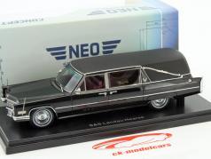 Cadillac S&S Landau Bestattungsfahrzeug Baujahr 1966 schwarz 1:43 Neo