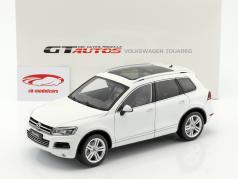 Volkswagen VW Touareg Opførselsår 2012 hvid 1:18 Welly GTA