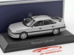 Renault Safrane Biturbo Baccara Bouwjaar 1993 zilver metalen 1:43 Norev