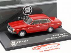 Volvo 244 Bouwjaar 1978 rood 1:43 Triple9