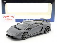 Lamborghini Gallardo LP570-4 Superleggera Year 2011 gray 1:18 AUTOart