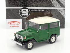 Toyota Land Cruiser FJ40 Bouwjaar 1967 groen / wit 1:18 Triple9