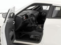 Nissan Juke R 2.0 築 2016 白 1:18 AUTOart