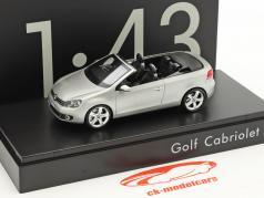 Volkswagen VW Golf Cabriolet Opførselsår 2012 sølv metallisk 1:43 Schuco