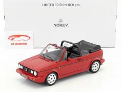"""Volkswagen VW Golf I Cabriolet """"Erdbeerkörbchen"""" Opførselsår 1992 rød 1:18 Norev"""