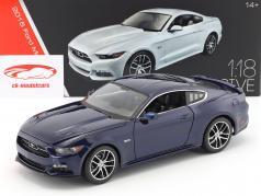 Ford Mustang GT ano de construção 2015 azul escuro 1:18 Maisto