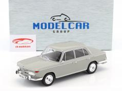 BMW 2000 TI Baujahr 1966 hellgrau 1:18 Model Car Group
