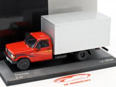 Chevrolet D-40 Box Truck Baujahr 1985 rot / silber 1:43 WhiteBox