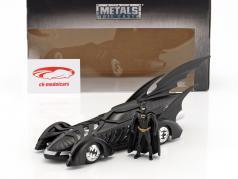 Batmobile filme Batman Forever (1995) preto com figura Batman 1:24 Jada Toys