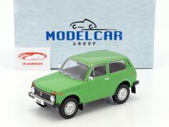 Lada Niva año de construcción 1976 verde 1:18 Model Car Group