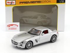 Mercedes-Benz AMG SLS Coupe (C197) ano de construção 2009 prata metálico 1:18 Maisto
