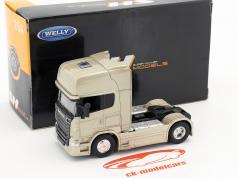 Scania V8 R730 (4x2) gold 1:64 Welly