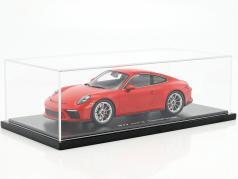 Porsche 911 (991 II) GT3 Touring Package bewakers rood met vitrine 1:18 Spark