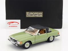 Mercedes-Benz 350 SL Convertible Closed Top year 1977 green 1:18 SunStar