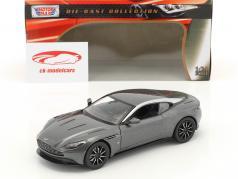 Aston Martin DB11 anno di costruzione 2017 grigio argento metallico 1:24 MotorMax