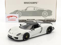 Porsche 918 Spyder Weissach Package anno di costruzione 2015 bianco con nero ruote 1:18 Minichamps