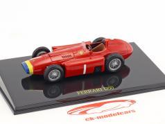 Juan Manuel Fangio Ferrari D50 wereldkampioen formule 1 1956 met vitrine 1:43 Altaya