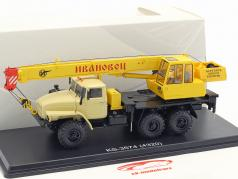 Ural 4320 kraan durven geel 1:43 PremiumClassiXXs